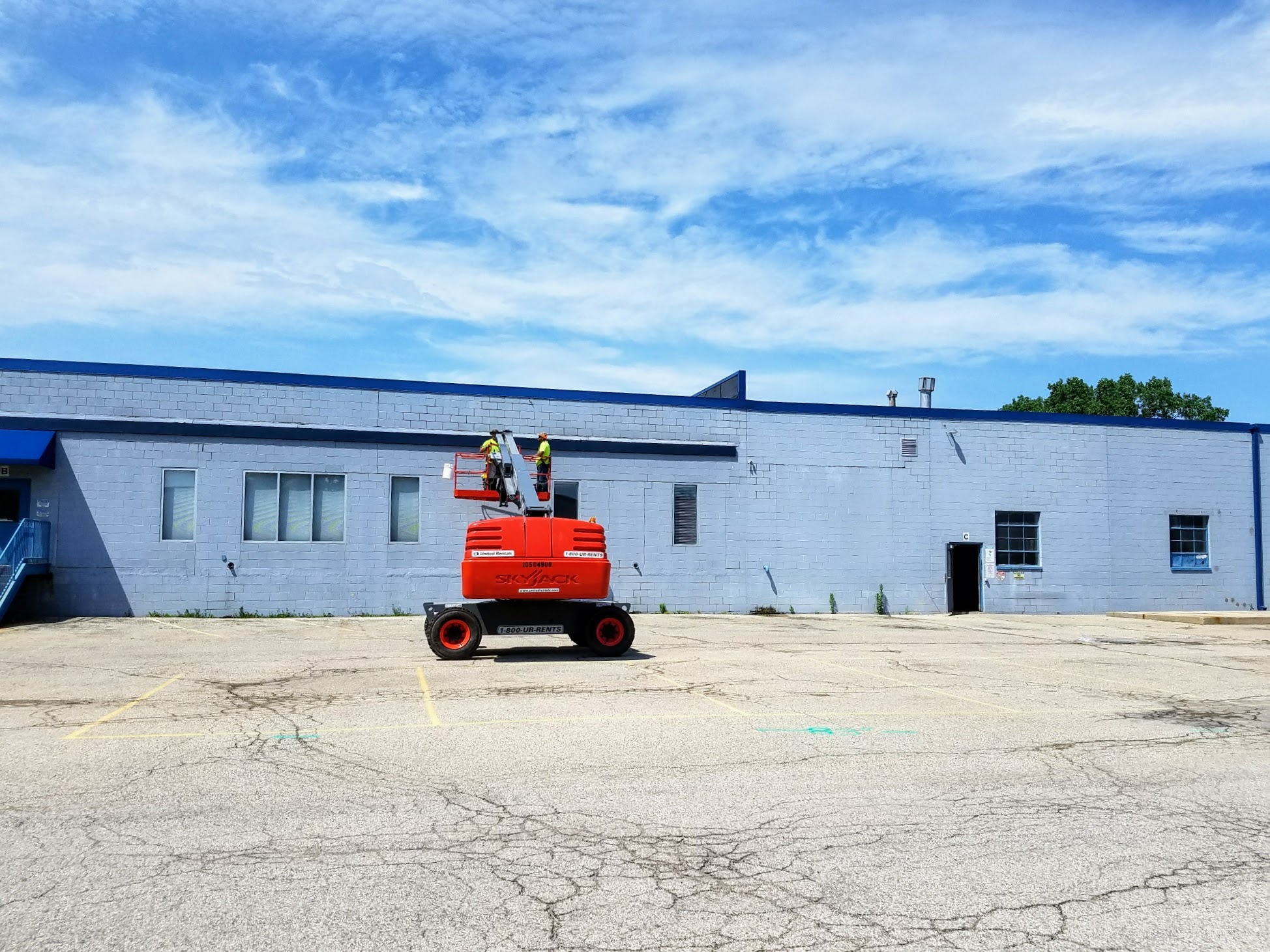 Exterior of Menomonee Falls Location | Efco Metal Finishing